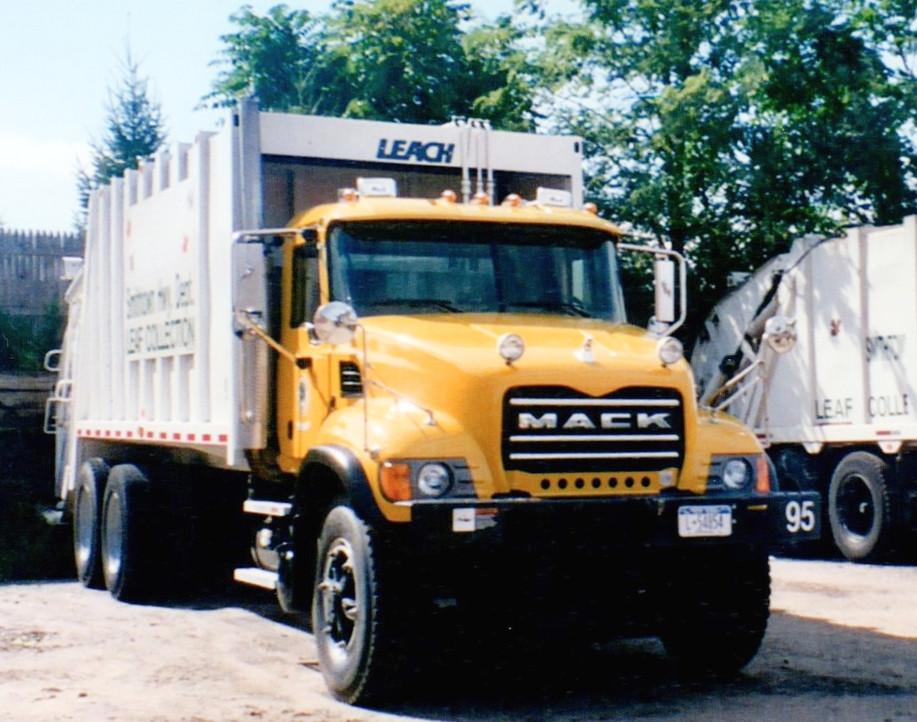 2005 Mack Granite CV713 packer truck.