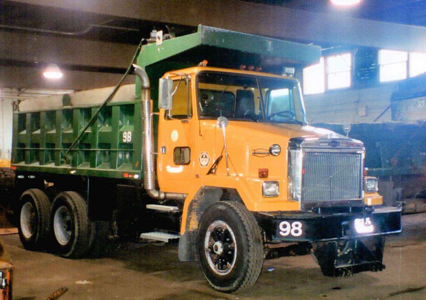 1992 Autocar ACM64 dump assigned to Denis