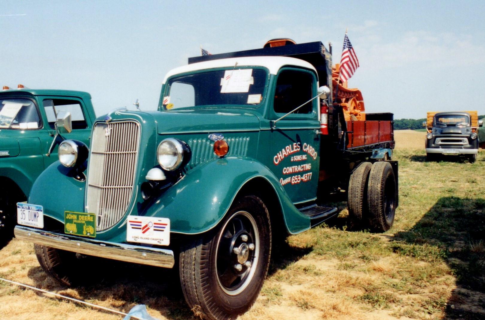 1935 Ford model 51 dump - Carl Cardo