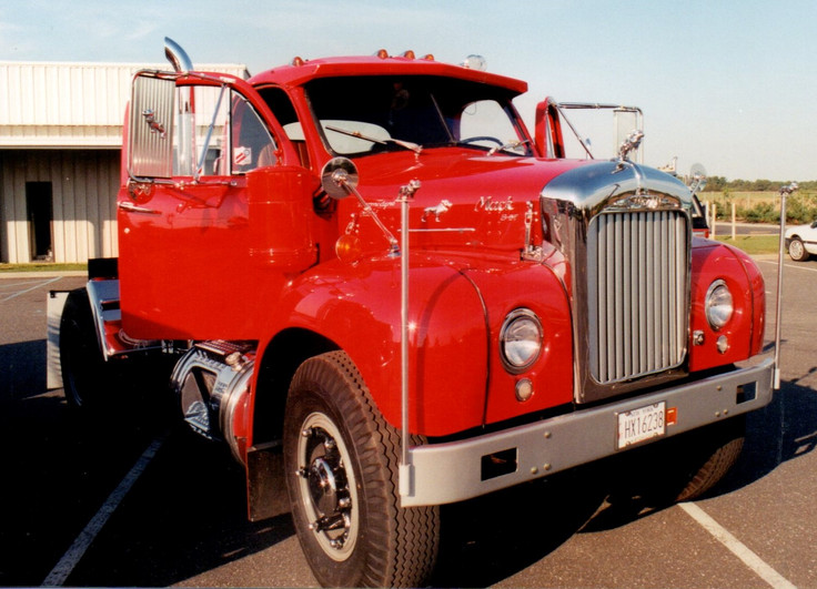 Howard Pratt's 1958 Mack tractor