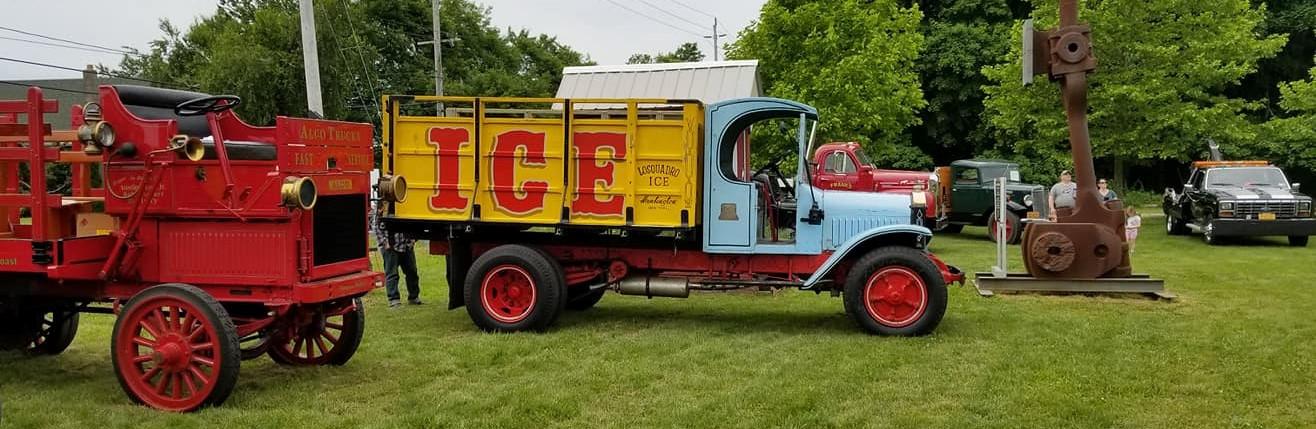 Tony Guarnaschelli's1912 Alco & Joe Tavernese's 1930 AB Mack