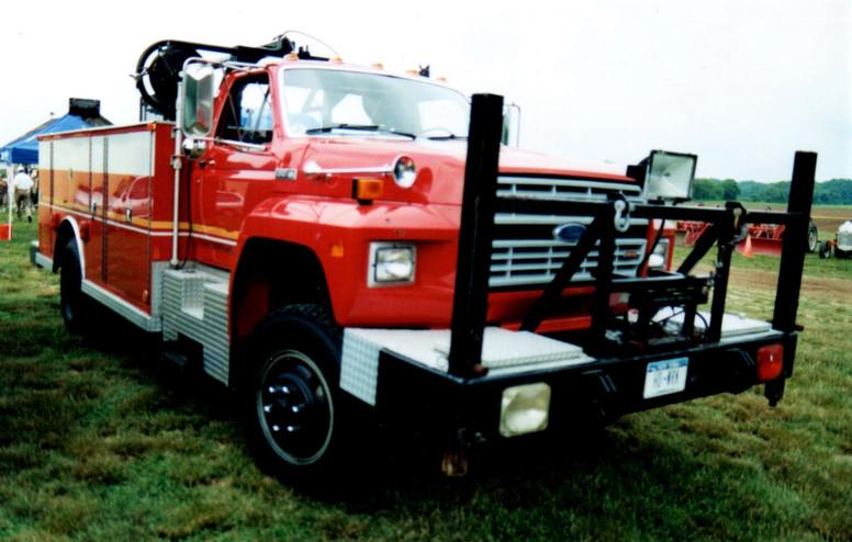 1985 Ford F-700 fire rescue