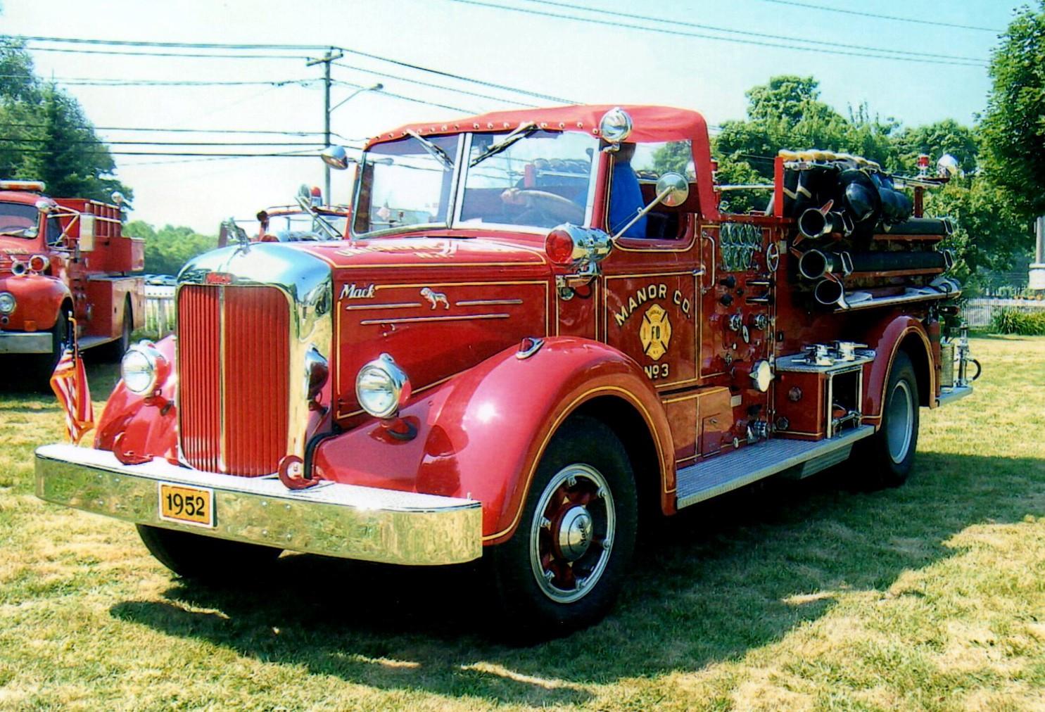 1952 Mack L model pumper - Uniondale F.D.