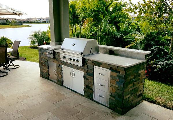 outdoor kitchen lakewood ranch.jpg