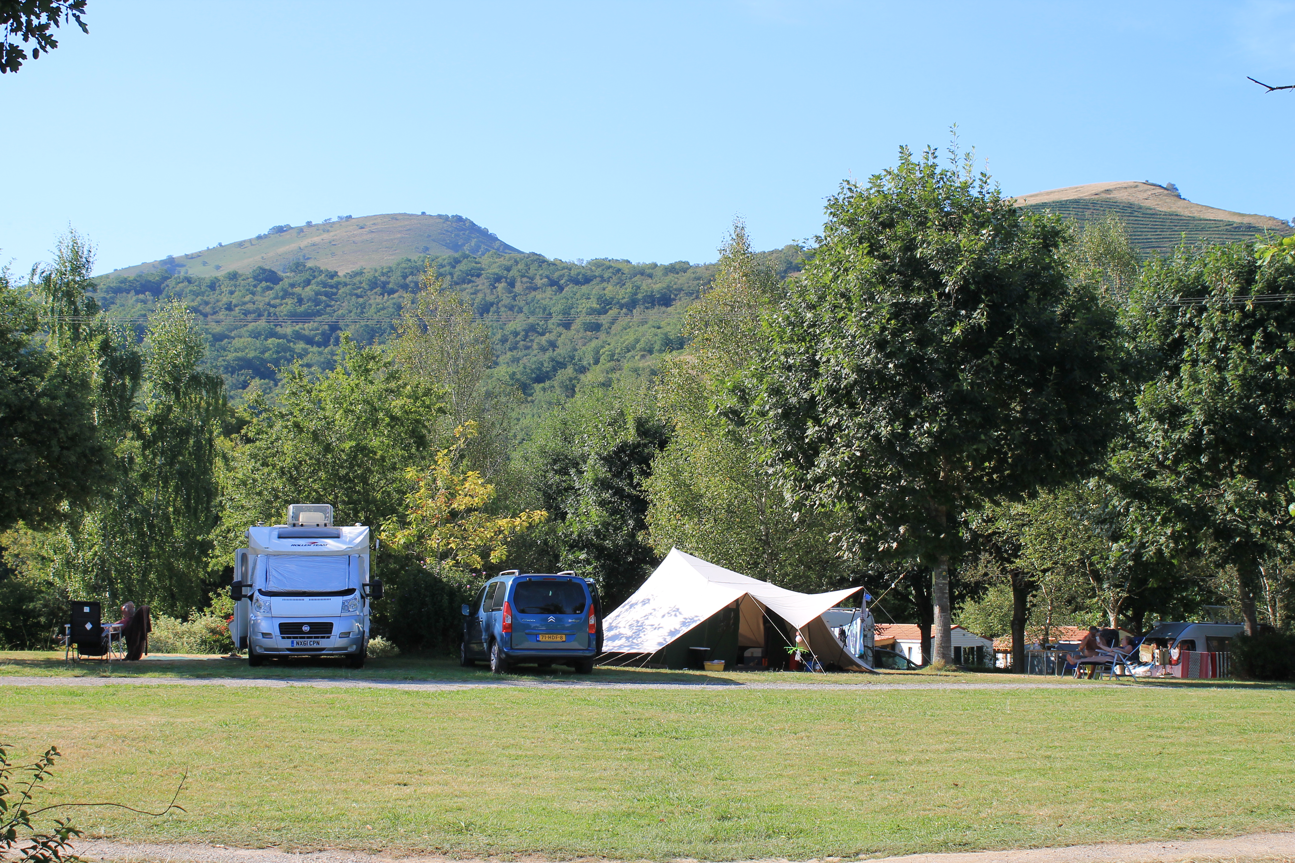 www.camping-narbaitz.com