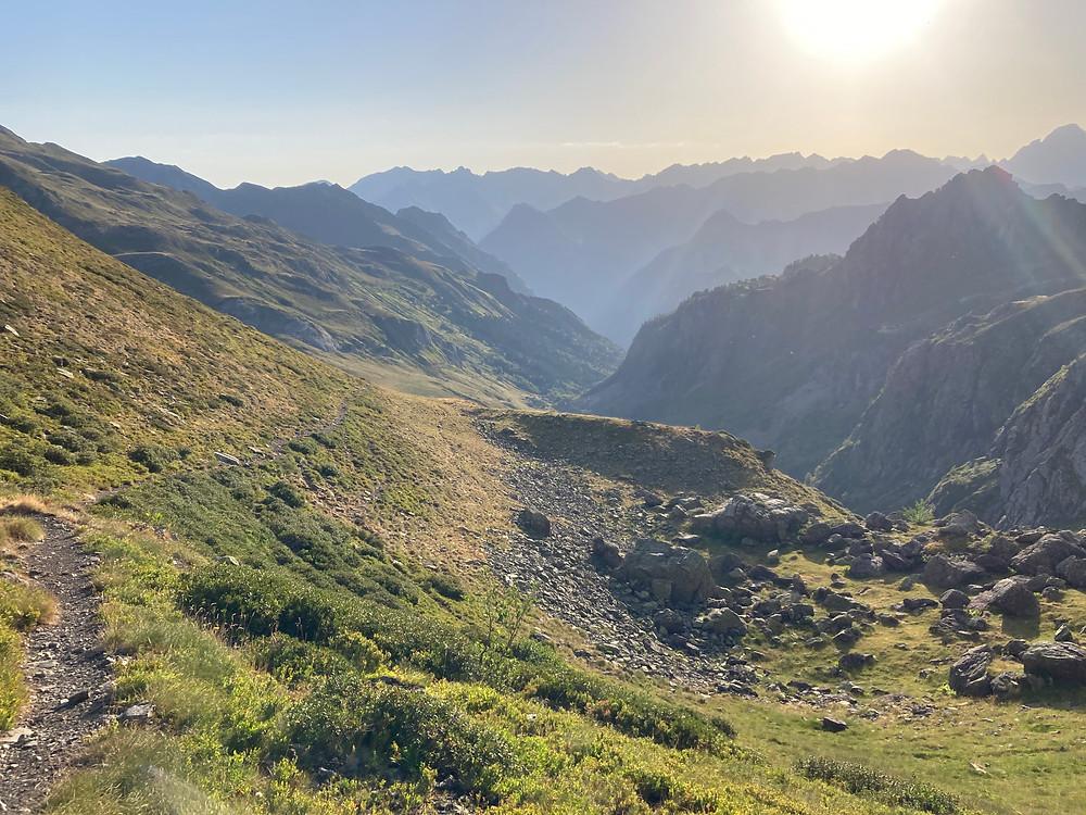 biotope marmotte, terrain marmotte, paysage montagne, vallée d'ossau