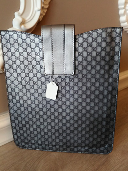 Gucci porta iPad