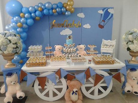 Creamhousecupcakes mesa de postres for Mesa de dulces para baby shower nino