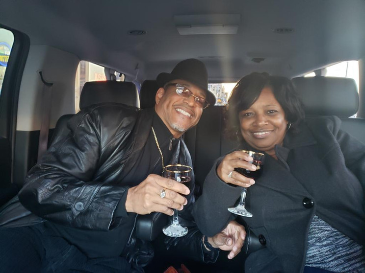 Couple from Atlanta, private Lux Suv/chilled bottle champaigne