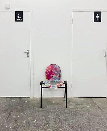 Toilet chair final Edit.png