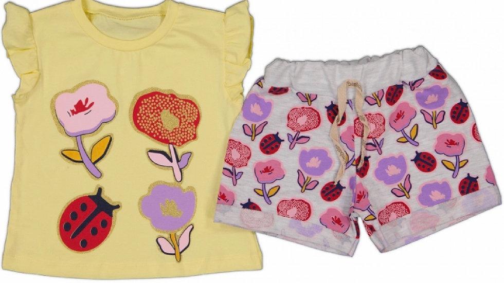 T- Shirt und Shorts