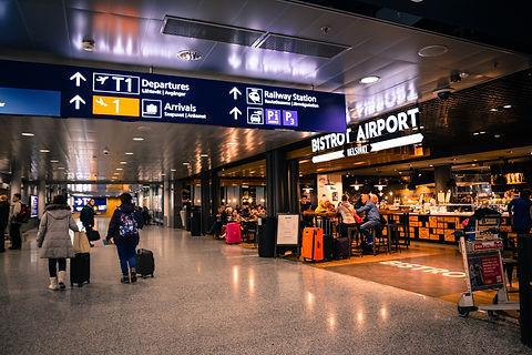 people-inside-airport-804463.jpg
