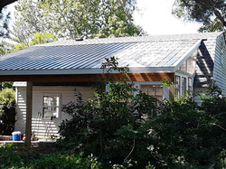 Metal Roof and Plastic Roof