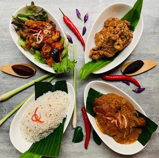 Nasi Lemak Feast (8-10pax)