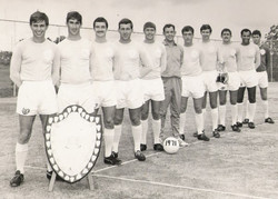 1971 Navy (China Shield) & Army (Robinson Cup) Champions 40 Cdo RM