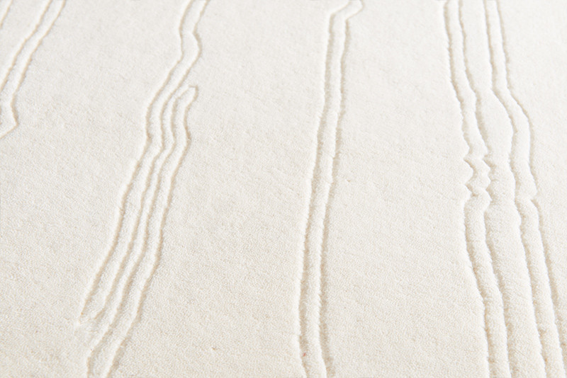 naja-utzon_rug_closeup_white_white-strip