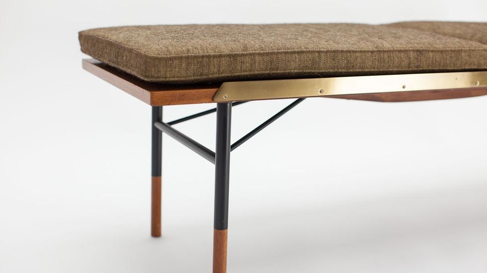 table-bench-finn-juhl-4.jpg