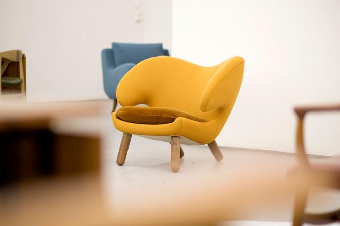 Pelican Chair, yellow, fabric.jpg