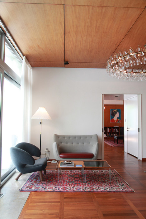 Poet Sofa, fabric, Pelican Chair, Tray T