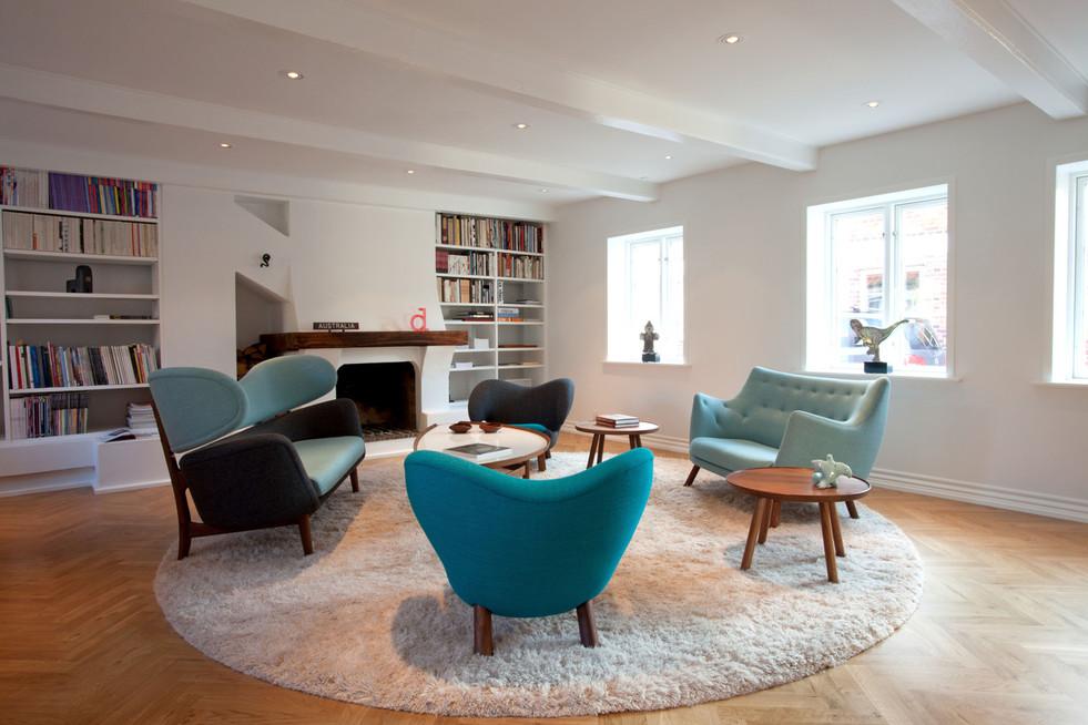 Pelican Chair, fabric, blue, Baker Sofa,