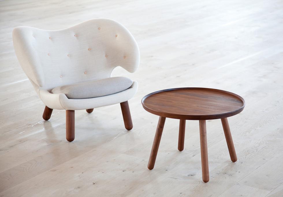Pelican Table, Pelican Chair.jpg
