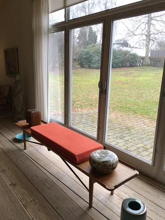 FinnJuhl-table-bench.jpg