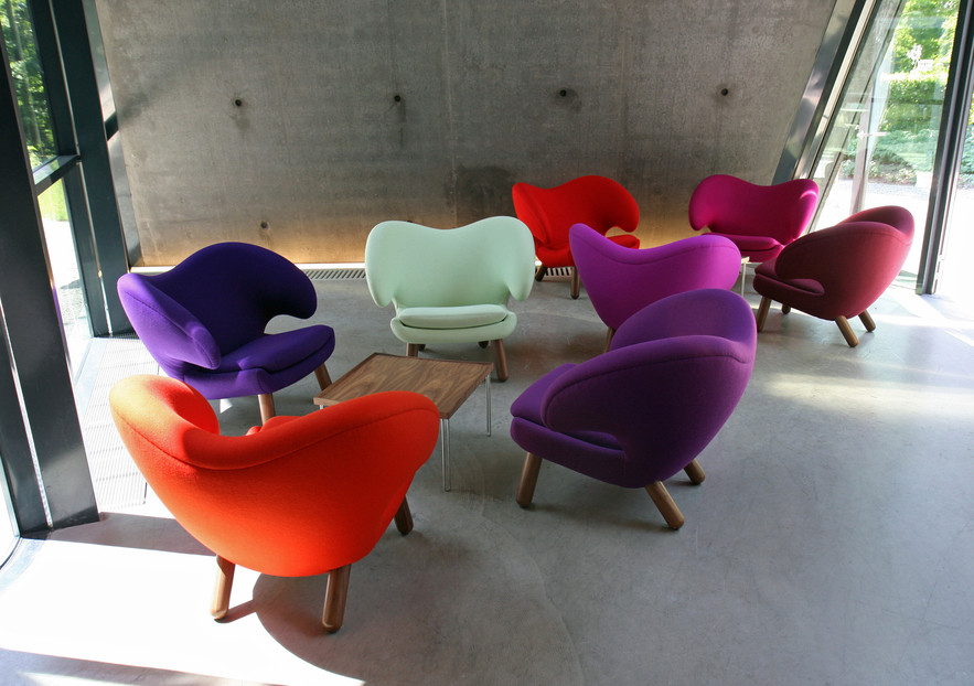 Pelican Chair, fabric, Tray Table.jpg