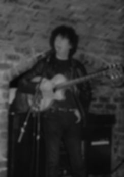 Pete at The Cavern 1 (3).jpg