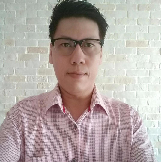 """Buyer :""""It was better than expected, loved my new pair of specs. Seller was patient with my questions and was able to accommodate with our meeting point."""""""