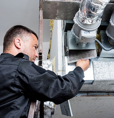 ventilation-cleaning-specialist-work-rep