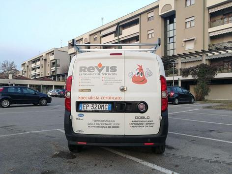 Idea&Grafica | prespaziato furgone Revis