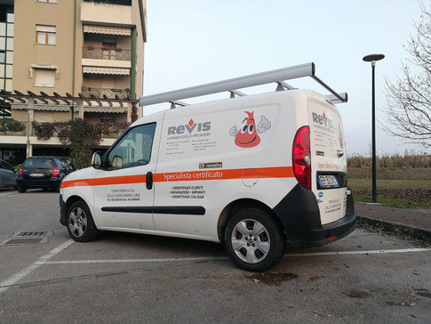 Idea&Grafica   prespaziato furgone Revis