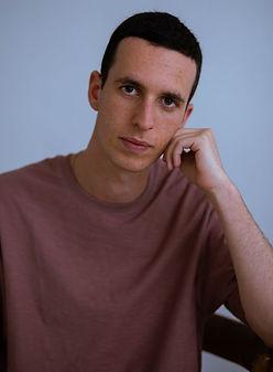 תום קרושינסקי
