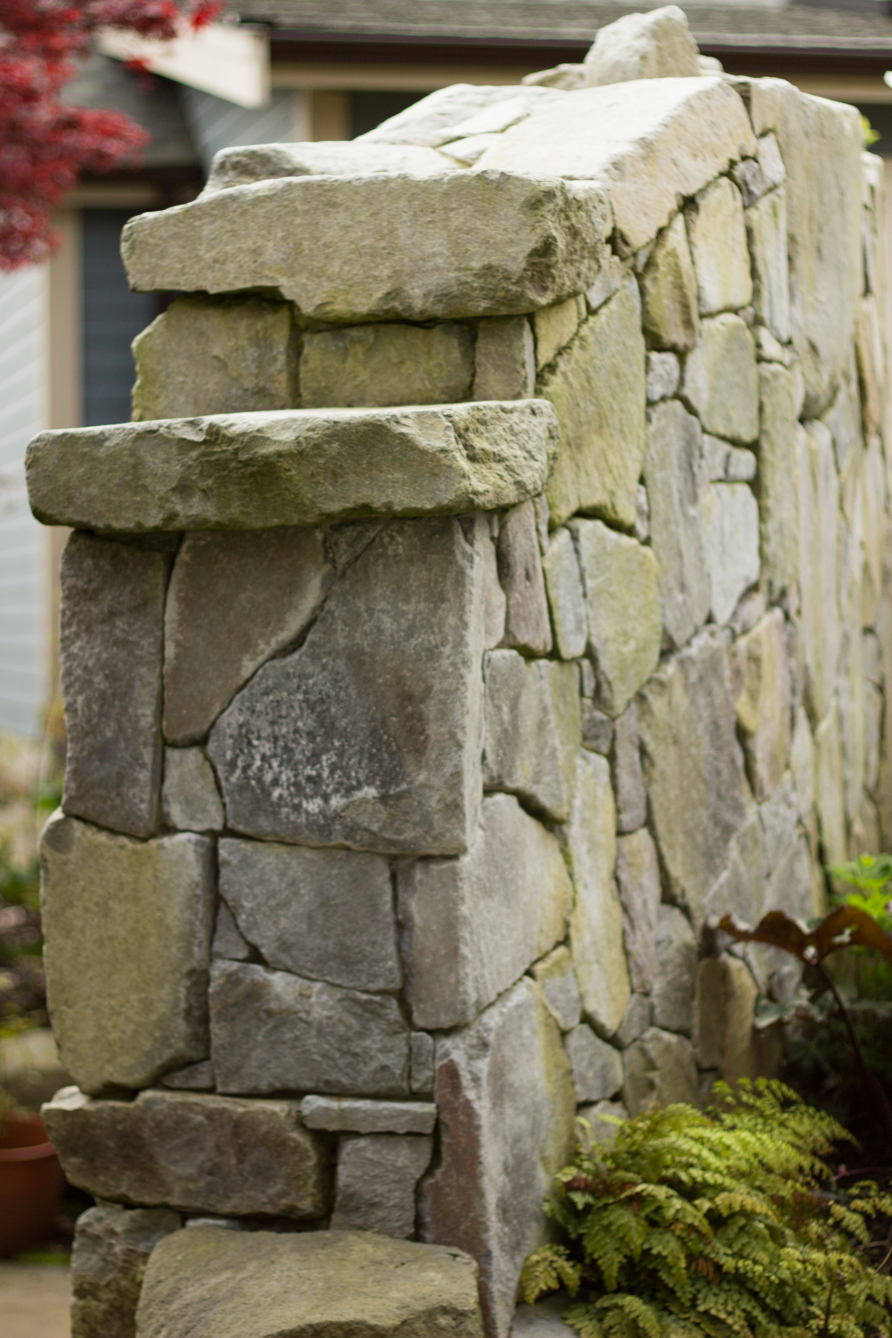 Brohm stone free standing wall