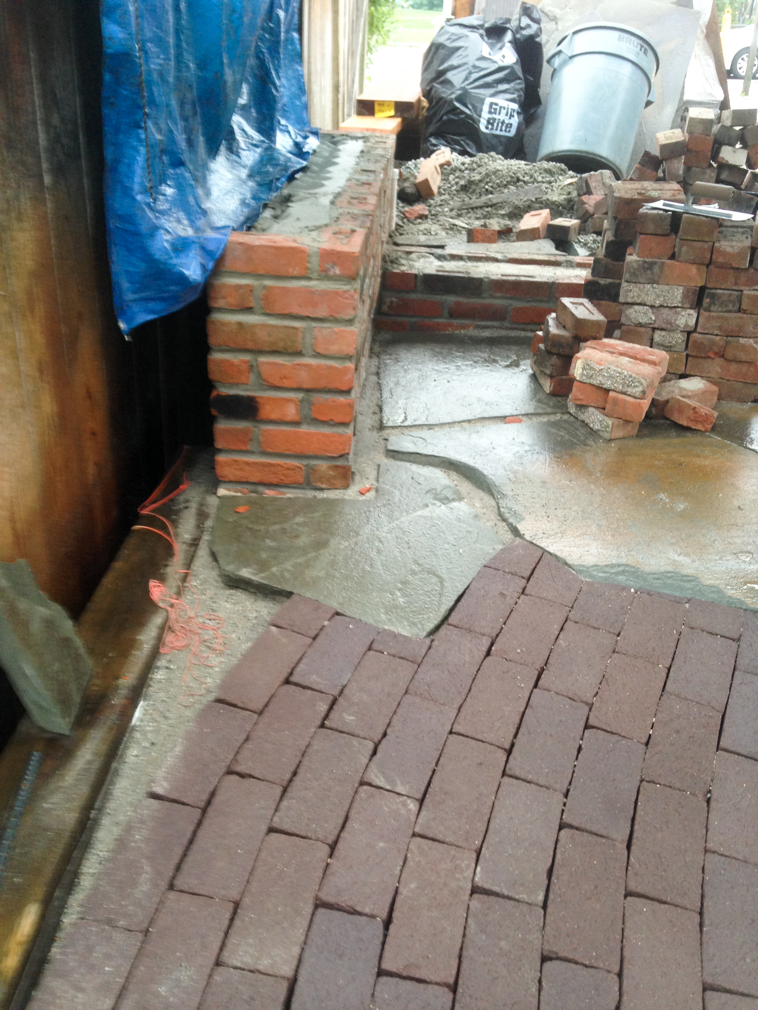 Clay pavers meet flagstone