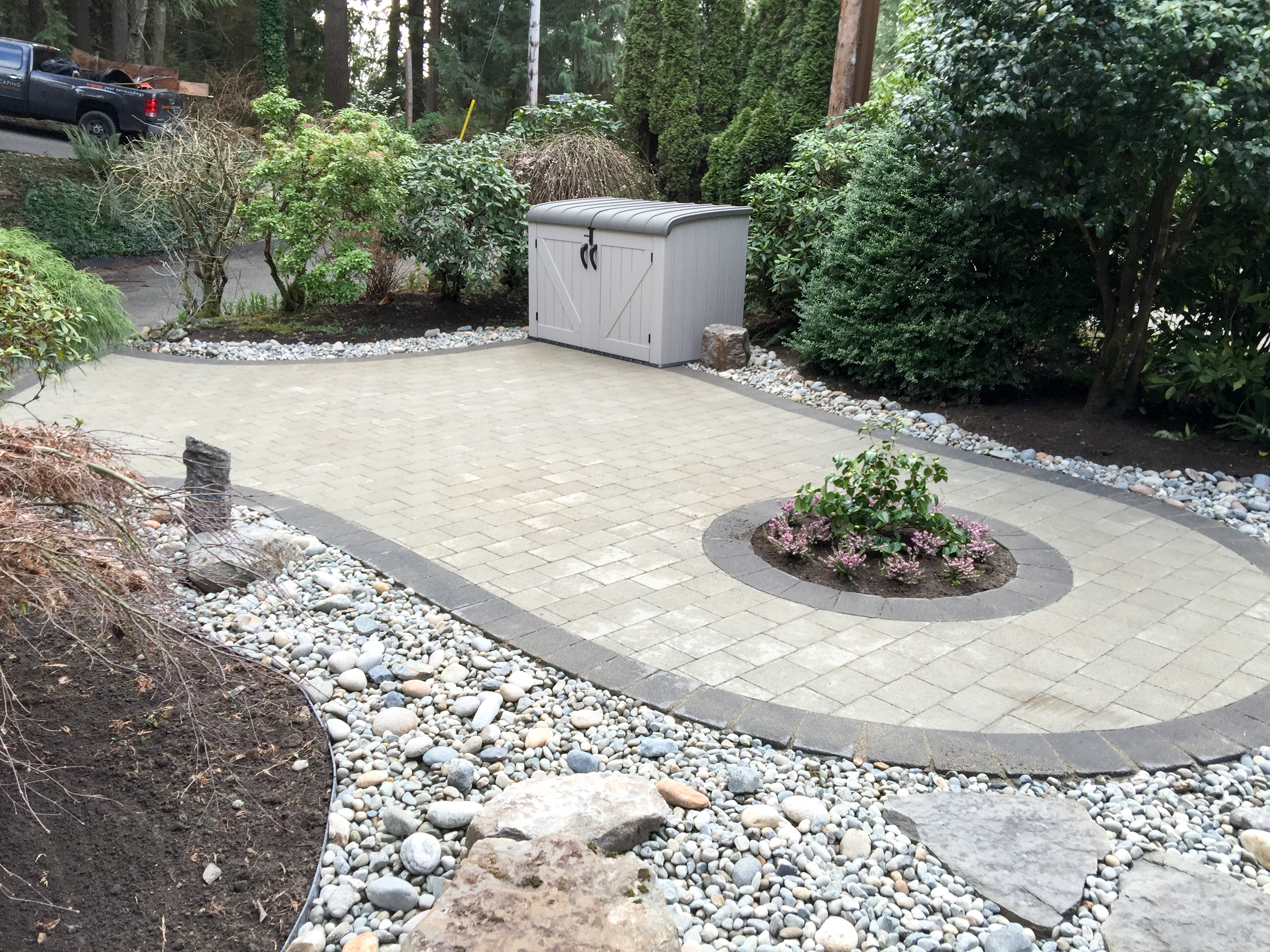 Paver patio, extra parking spot