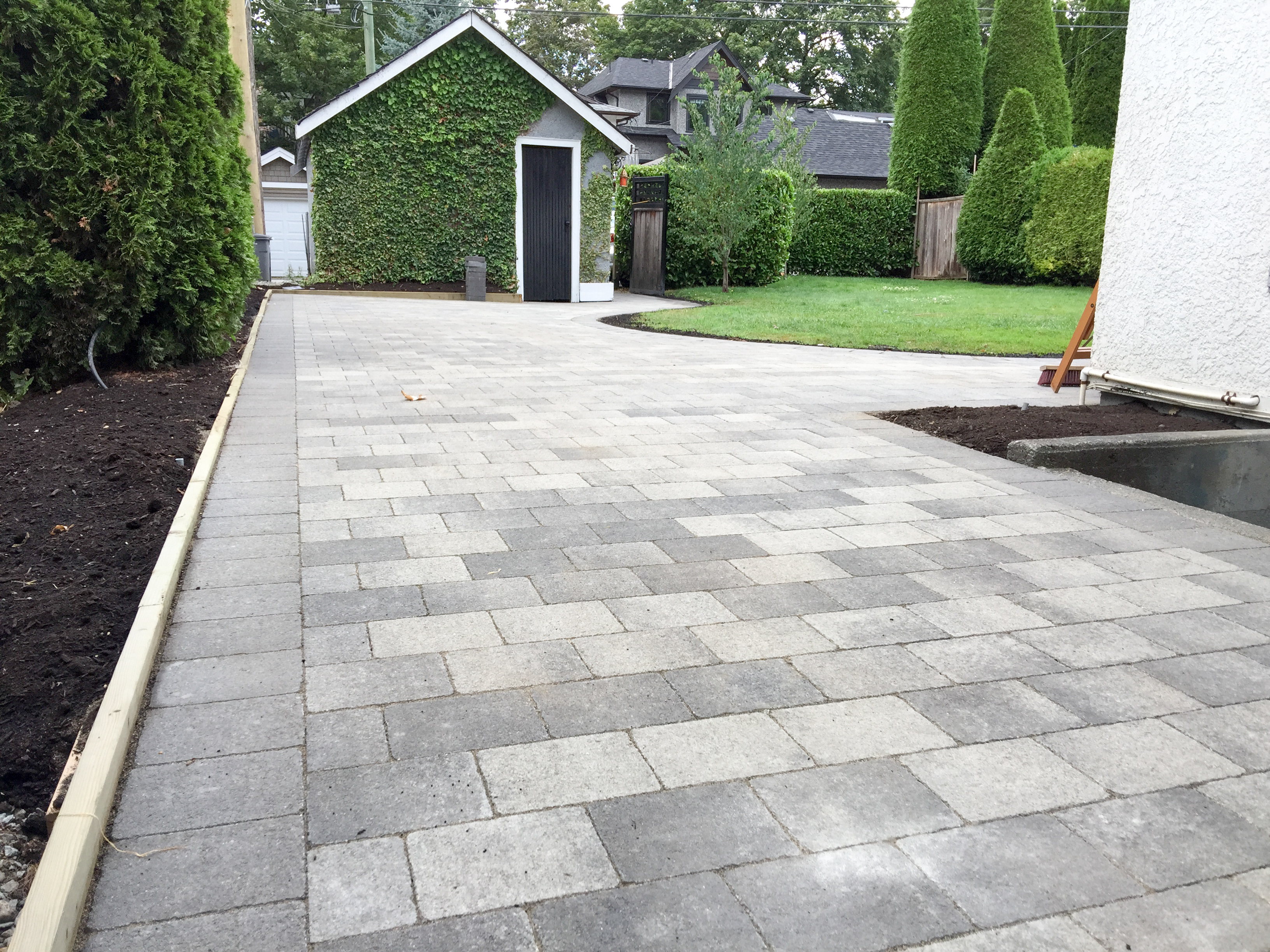 Paver patio, large walkway