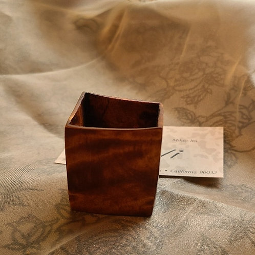 Wood/ウッド Hand carved Sake Cup, Ochokoi/手彫りの酒器、お猪口(おちょこ)