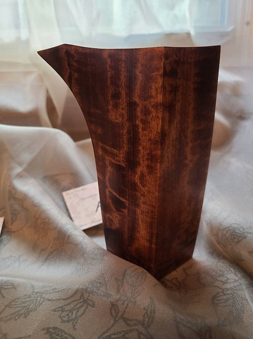 Wood/ウッド Hand carved Sake bottle, Japanese Maki wood Tokkuri/手彫りの酒器、日本槙の木の徳利