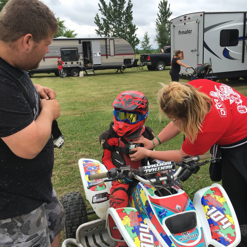 """Michigan Family Creates ATV Race Team as """"non-traditional"""" Therapy for Autistic Son"""