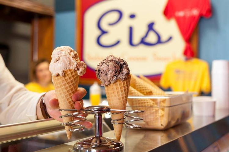 Ice Cream at Eis