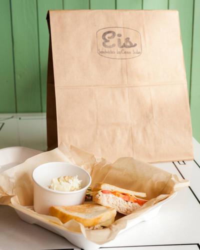 Sandwich and Potato Salad at Eis