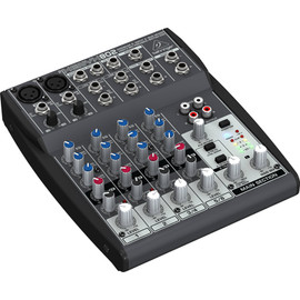 Behringer 802 XENYX Mixer