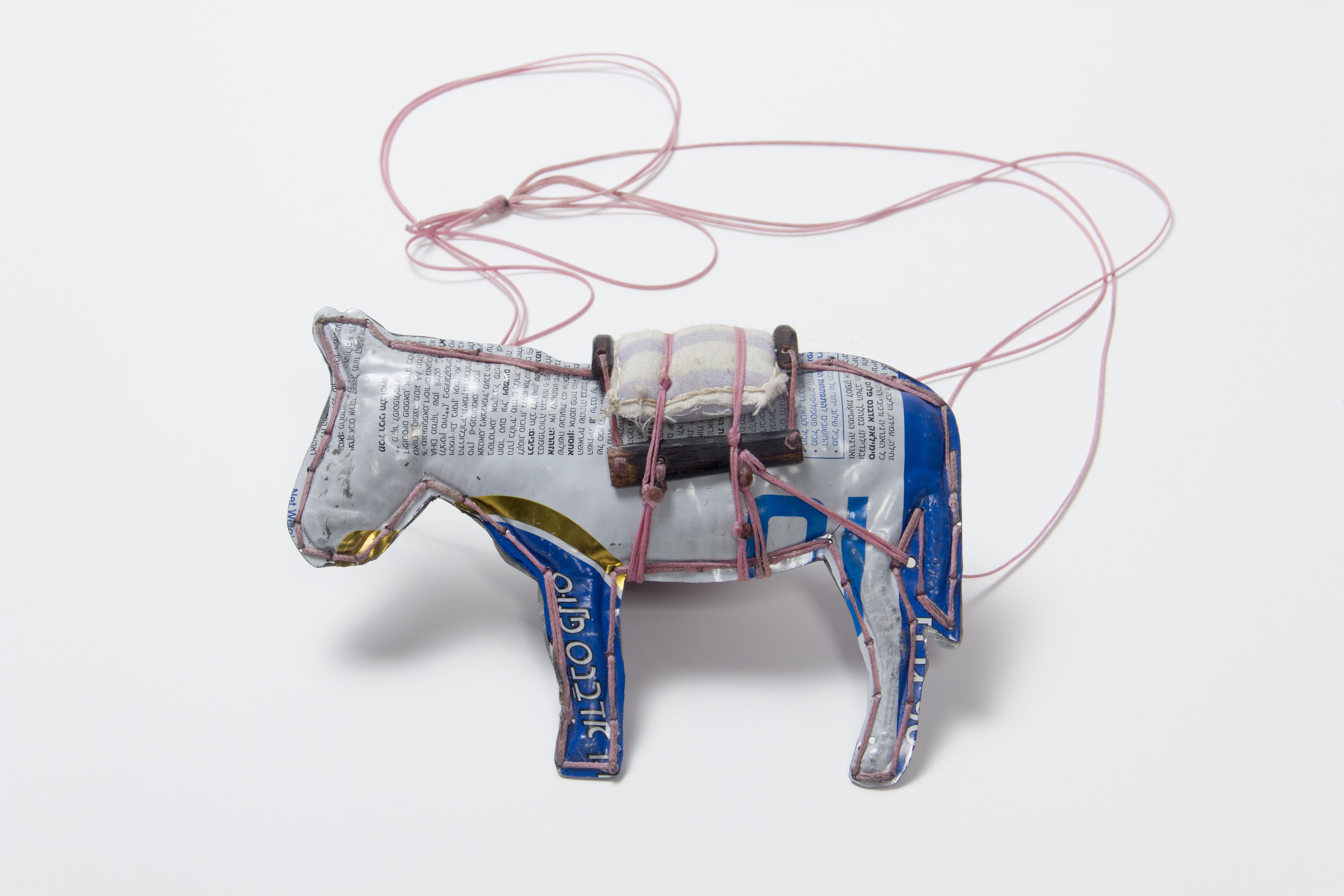 Donkey II, Pendant