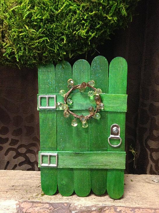 a simple leprechaun door. & afaerieaffaire | doors