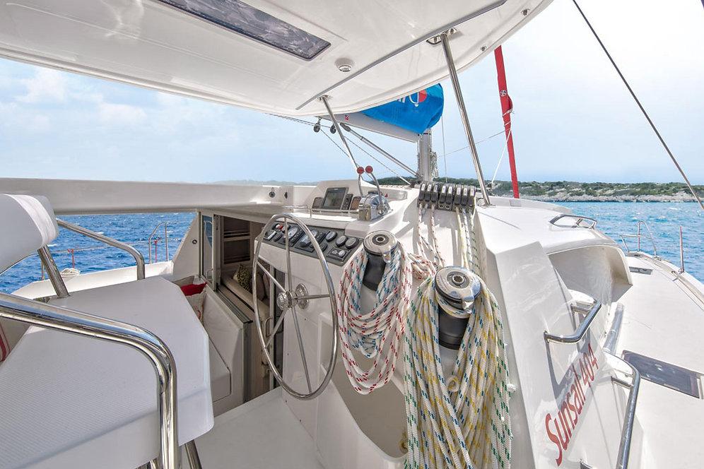 Robertson & Caine 404 Catamaran (Deposit) | gayarmada