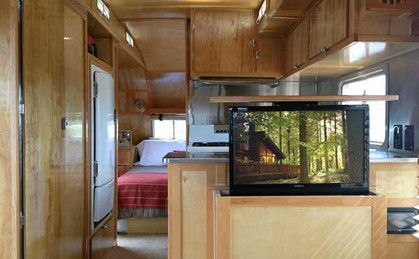 Hide-TV-in-RV.jpg
