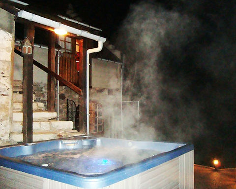 hot-tub-at-night_edited.jpg