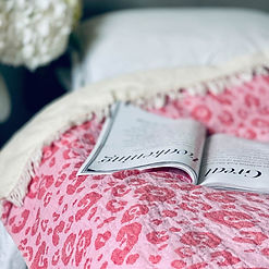 leopard_pink_bed_1296x.jpg