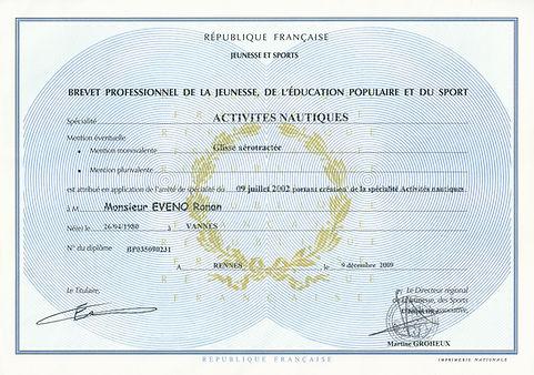 WESTGLISS: ECOLE DE KITESURF / BOUEE TRACTEE Brevet Professionnel de la Jeunesse, de l'Education Populaire et du Sport option GLISSE AEROTRACTEE